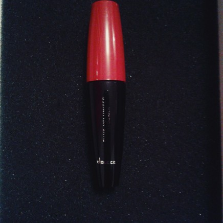 "Mascara from the brand ""Doucce"""