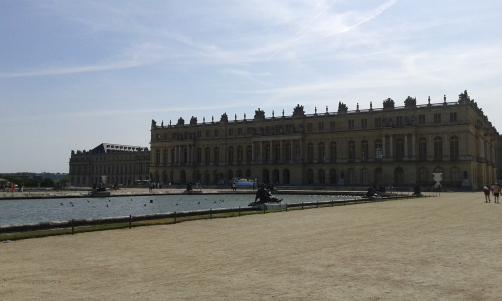 Versailles vu du jardin